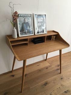 Kultiger Sekretär New York Style von OCTOPUS, gekauft in HamburgMaterial Schichtholz aus Esche Schreibflächenhöhe 74 cm, B 120/ T 58/ H 94 cm (Cool Furniture Mid Century)