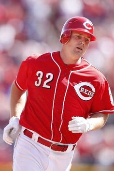 Jay Bruce rounding the bases coolly after a solo homer to tie the game in the 9th.