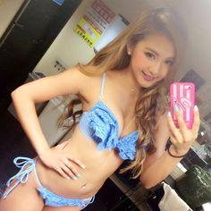 KARENさんはInstagramを利用しています:「私の海の日は、 ビキニナイトあけの学校でしたー 今日も授業にテストに課題に…>_< 大学生の頑張りどきシーズン!!!笑 みんな頑張りまひょー(≧∇≦)✨✨ #girl #me #smile #bikini #swimwear #bikininight #summer #2015 #cjd_karen #cyberjapan #rienda #riendasuelta #selfie #Blue #bubble #University #student #女子大生」