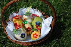 Filcowe jajka i zielony ogród :)