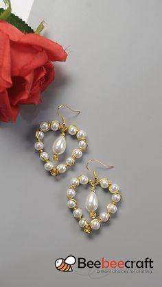 idea on making wrapped heart with Wire Jewelry Designs, Handmade Wire Jewelry, Diy Crafts Jewelry, Beaded Jewelry Patterns, Fabric Jewelry, Earrings Handmade, Wire Jewelry Making, Jewelry Making Tutorials, Wire Wrapped Jewelry