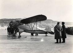 Statsarkivet i Kongsberg. Vinteren er her! For å illustrere dette har vi funnet frem foto fra flystevne på isen av innsjøen Børsesjø i Telemark fra 1934. Fotoet er i arkivet etter fylkesskogmester Jørund Midttun.