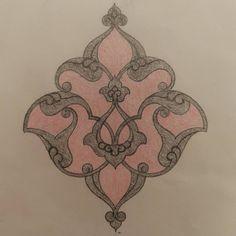 Rumi tepelik formu kara kalem çalışması