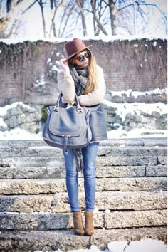 The mix of accessories.DYING for that Chloe bag in the gray/blue. the outfit isn't bad either Apparel fashion clothing outfit style women blue jeans handbag boots brown winter casual street Passion For Fashion, Love Fashion, Fashion Looks, Womens Fashion, Fashion News, Style Fashion, Winter Looks, Winter Style, Winter Chic