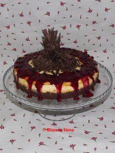 Cheesecake cu ciocolata si piure de fructe de padure