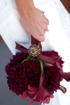 matches my wine and blue color palette For a modern bouquet, choose flowers such as calla lilies and chrysanthemums in shades of berry, wine and burgundy • How to have a fabulously festive Christmas wedding