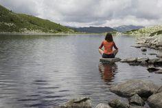 Du fühlst dich gestresst und überarbeitet? Dann bist du reif für eine Auszeit in Gastein. Glaubst du nicht? Hier kommen 10 Gründe die es dir beweisen. Mountains, Nature, Blog, Travel, Stressed Out, Mountaineering, Summer Vacations, Time Out, River