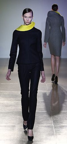 A runway look that could work on more than one body type. Suit by Jil Sander.