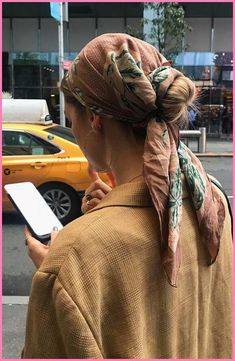 Getting yourself to look great has never been easier! Hairstyles are essential for a good looking and a good appearance. We choose our hairstyle for... Bandana Hairstyles, Trendy Hairstyles, Hairstyle Ideas, Scarf Hairstyles Short, Hairband Hairstyle, Clip Hairstyles, Easy Hairstyle, Style Hairstyle, Hair Scarf Styles