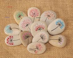 Rock Painting Ideas Discover Clay Necklace / Clay pendant / Gift for mom / floral necklace / Personalized jewelry/ customized necklace / teacher gifts Rock Painting Patterns, Rock Painting Designs, Rock Painting Ideas Easy, Art Patterns, Jewelry Patterns, Black And White Necklaces, Design Floral, Ideias Diy, Rock Crafts