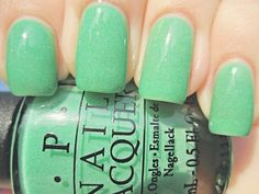 Mint green nails. LOVE!