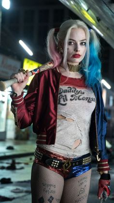 Margot Robbie Harley Quinn Daddy's Lil Monster Shirt - Suicide Squad - Stuff From TV Harley Quinn Et Le Joker, Harley Quinn Drawing, Harley Quinn Halloween, Margot Robbie Harley Quinn, Harley Quinn Cosplay, Costumes Harley Quinn, Harvey Quinn, Arley Queen, Suicide Squad