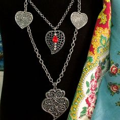 Portuguese folk Heart of Viana silver tone filigree style Minho strands jewelry necklace. Made in Portugal by me and inspired in traditional jewelry used by women in Minho, region in the north of country.$67.50...#portuguesenecklace#coraçãodeviana#colarcoraçaodeviana#helenaaleixo#madeinportugal#portuguesefiligree#heartofviana#vianaheart#portuguesesilver#portugalfolkart