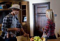 Still of Katherine LaNasa and Timothy Olyphant in Justified