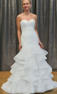 Judd Waddell Carola 10: buy this dress for a fraction of the salon price on PreOwnedWeddingDresses.com