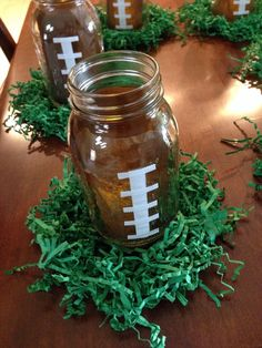 Football Superbowl Use mason jars and put the lace on it but serve ice tea in it instead of using… Football Banquet, Football Cheer, Football Tailgate, Football Birthday, Football Season, Tailgating, Office Football, Football Homecoming, Tailgate Parties
