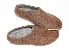 Men's Felt Slippers UnDyed Wool. Made to be Worn without Socks #ecofriendly #brown #wool #felt #trends #wool