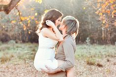 A Miracle of Love - Outdoor Maternity Session from Emm & Clau - Praise Wedding praisewedding.com