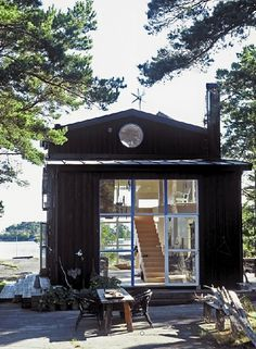 Tiny house, living in a small space, plans, interior cottage DIY, modern small house on wheels- Tiny house ideas Casas Containers, Cabins And Cottages, Small Cabins, Tiny House Living, Small Living, Slow Living, Living Room, Cabins In The Woods, Little Houses