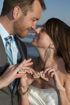 Fun idea for a photo!!!     Wedding by A Charleston Beach Wedding. Photography by Cori Carpenter.