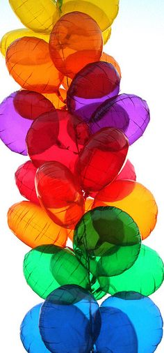 Balloons in all the colors of the rainbow Colors Of The World, All The Colors, Vibrant Colors, Love Rainbow, Taste The Rainbow, Over The Rainbow, Rainbow Colors, Rainbow Wood, Rainbow Falls