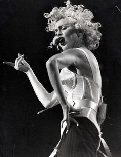 Madonna - Blond Ambition Tour 1990