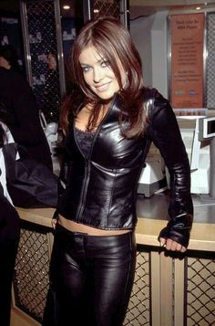 Carmen Electra fitted black leather jacket and leather pants Leather Trousers, Leather Jacket, Leder Outfits, Hot Brunette, Hot Outfits, Leather Fashion, Sexy Women, Lady, Womens Fashion