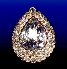 The Kasikci Diamond at the Topkapi Palace️PM Ancient Jewelry, Antique Jewelry, Royal Diamond, Diamond Dreams, Timeless Elegance, Jewelry Box, Jewellery, Museum, Palace