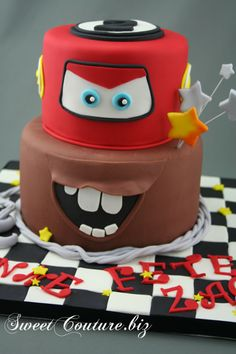 Gâteau Les Bagnoles Cake Cars Car Themed Parties, Cars Birthday Parties, Gateau Flash Mcqueen, Mac Cake, Sweetie Cake, Lightning Mcqueen Cake, Disney Cars Cake, Cupcake Cakes, Cupcakes
