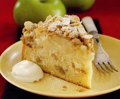 Шарлотка с яблоками, изюмом и грецким орехом | Рецепты из холодильника
