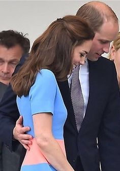 Such a gentleman; Patrons Lunch yesterday - 12th of June 2016 #princewilliam #katemiddleton
