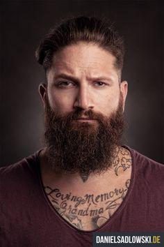 """Grow a beard!"" von Daniel Sadlowski"