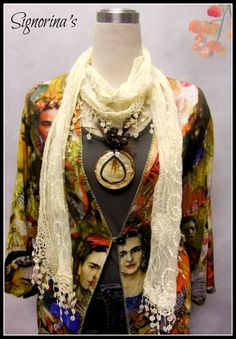 For a look that makes you a total work of contemporary art - Frida Kahlo Blouse. Different & unique. Exclusively from Signorina's. Kimono Top, Sari, Blouse, Womens Fashion, Unique, Contemporary Art, How To Make, Tops, Frida Kahlo