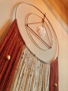 Yarn Wall Art, Macrame Wall Hanging Diy, Macrame Design, Macrame Projects, Macrame Patterns, Wooden Beads, Decoration, Dream Catchers, Modern