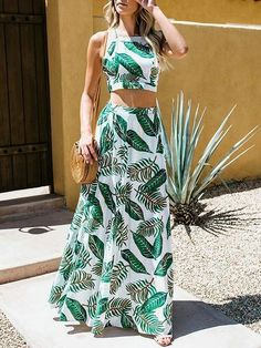 Green leaf print chic women crop cami top and high waist maxi skirt Mode Outfits, Skirt Outfits, Casual Dresses, Fashion Dresses, Havanna, Tropical Dress, Summer Outfits, Summer Dresses, Floor Length Dresses
