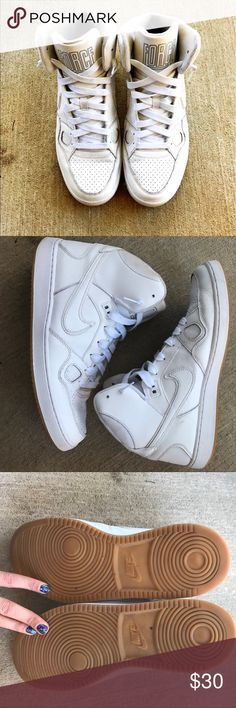 Men's Nike shoes All white mens Nike shoes. Minor discoloration on inside. Can easily be washed away. Nike Shoes