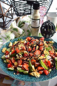 Smaskelismaskens: Matig sallad med halloumi och jordgubbar Vegetarian Recipes, Healthy Recipes, Keto Meal Plan, Halloumi, Food Inspiration, Love Food, Salad Recipes, Food To Make, Meal Planning