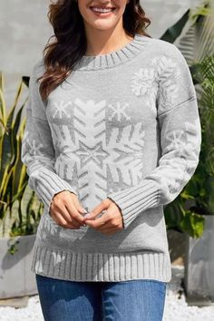 Winter Style // Spread some holiday vibes as you choose to wear this charming light grey snowflake ribbed knit Christmas sweater.