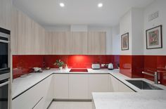 Amazing Before After Kitchen Remodel Colorful Kitchen Decor, Kitchen Colors, Interior Exterior, Kitchen Interior, Beautiful Kitchens, Cool Kitchens, Kitchen Cabinets Parts, Wood Cabinets, Küchen In U Form