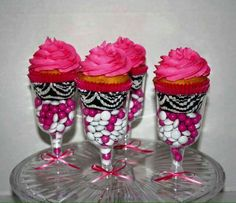 Hot Pink/ Zebra Print Cupcakes in Champagne Glasses Zebra Print Cupcakes, Zebra Print Party, Pink Zebra Party, Zebra Birthday, Girl Birthday, Birthday Parties, Birthday Ideas, Birthday Cake, Snacks Für Party