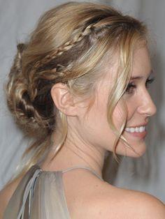 Loose with small braids--Kristin Cavallari Sweet Hairstyles, Pretty Hairstyles, Braided Hairstyles, Wedding Hairstyles, Wedding Updo, Braided Updo, Hairstyles Men, Casual Wedding, Medium Thin Hair