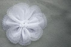 ~Ruffles And Stuff~: Flower Tutorial!
