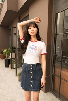 Suzy (수지) is a South Korean actress and solo singer under Management SOOP. Suzy debuted as a member of MissA in March 2010 under JYP En. Suzy Bae Fashion, Pop Fashion, Fashion Outfits, Asian Woman, Asian Girl, Miss A Suzy, Instyle Magazine, Cosmopolitan Magazine, Bae Suzy