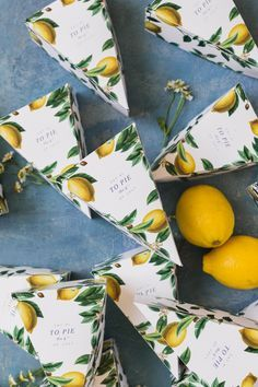 Bridal shower favor idea - lemon leftover summer pie box - edible bridal shower favor {Courtesy of The House That Lars Built} Wedding Favours, Party Favors, Wedding Cake, Decoration Birthday, Wrapping Gift, Pie Box, Summer Pie, Lemon Party, Bridal Shower