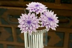 Other Japanese Antiques Vintage Hair Combs, Purple Hands, Hand Crafts, Japanese Flowers, Hair Sticks, Vintage Hairstyles, Hair Accessory, Flower Crafts, Kimono