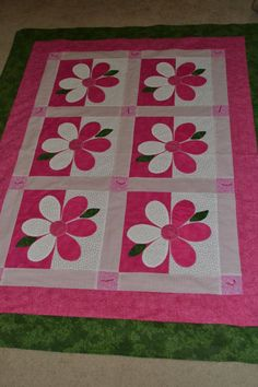 Terrific Absolutely Free flower Quilting Concepts Wanting to enhance your quilting knowledge? This is the round-up of methods for quilting including Patchwork Quilt Patterns, Quilt Block Patterns, Applique Quilts, Quilt Blocks, Crazy Patchwork, Quilt Kits, Quilt Baby, Cute Crafts, Crafts To Make
