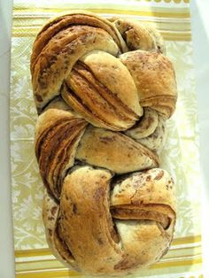 OH MY YUM!!!! : Nutella and Peanut Butter Stripe Bread