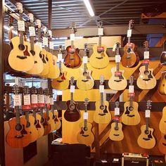 www.azemamusique.fr #guitar #guitars #guitare #taylor #gsmini
