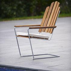Lounge Chair Grythyttan's lounge chair has original design, pleasant, bouncy comfort. Garden Furniture Ireland, Modern Garden Furniture, Lounge Furniture, Vintage Furniture, Outdoor Furniture, Cantilever Chair, Outdoor Chairs, Outdoor Decor, Garden Chairs