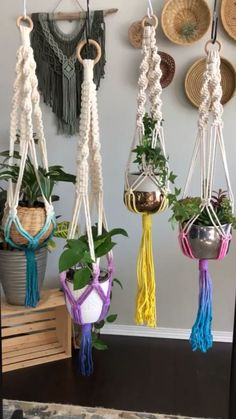 Newest Free Macrame plant hanger Popular When there is small place for the keeping of flowerpots, hanging flowerpots certainly are a excellen Macrame Plant Hanger Patterns, Macrame Wall Hanging Patterns, Macrame Plant Holder, Macrame Patterns, Plant Holders, Macrame Design, Macrame Art, Macrame Projects, Ideias Diy